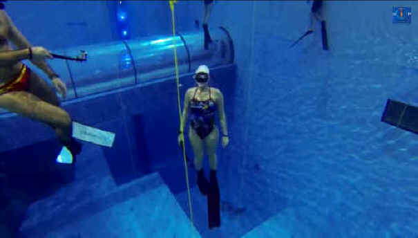 Deepest Swimming Pool In The World 40 Meters 131 Feet
